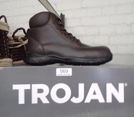 Size 7, new Trojan work boots