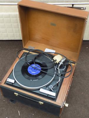 1965 vintage record player in working order