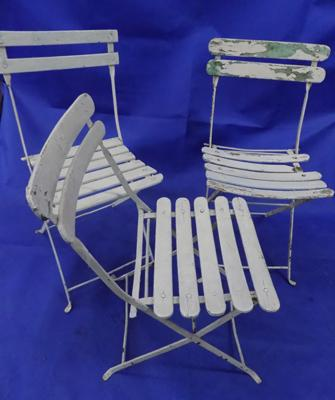 3 white folding chairs - Bistro style