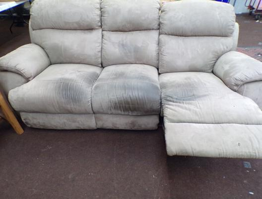 3 Seater settee with individual recliners
