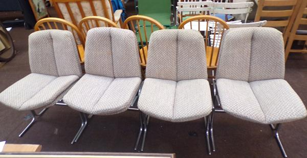 4 retro chairs