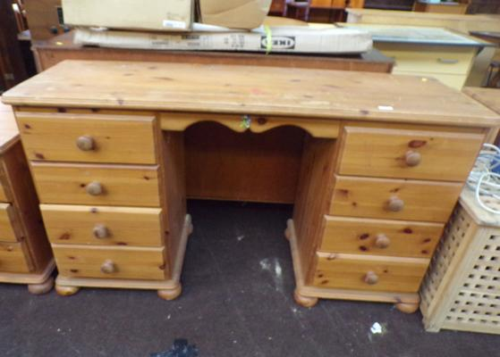 Large pine dressing table