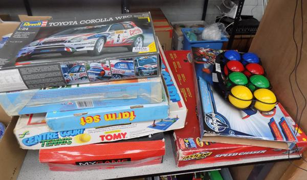 Selection of games including Rally Car and Air Fix