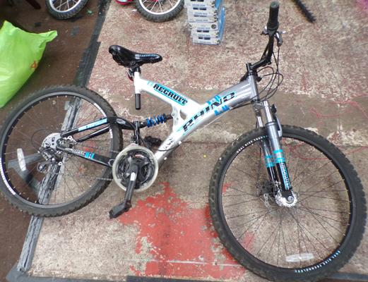 "20"" Rhino Alloy recruit bike, 18 speed disk & dual suspension"