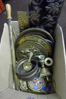 Box of mixed brass & vintage metalware inc Walker & Hall, Mappin & Webb etc
