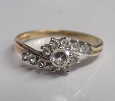 Vintage 9ct gold and clear stone ring - approx. size N