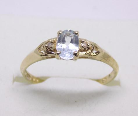 9ct gold diamond and blue topaz ring - size O
