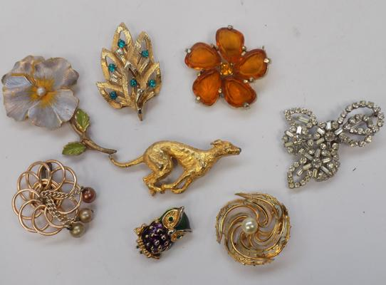 Selection of brooches