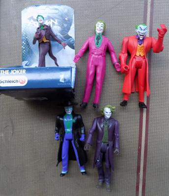 Selection of Joker figures of different ages & genres inc Heith Ledger