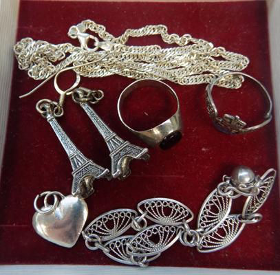 Selection of silver jewellery inc vintage