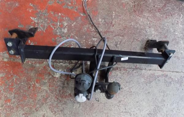 Tow bar frame with electrics - Zafira up to 05 plate