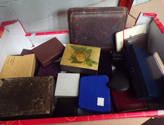Large lot of vintage & antique jewellery boxes