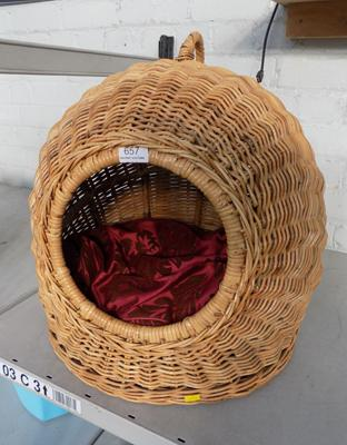 Large wicker igloo cat/small dog basket