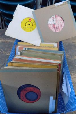 "Approx 70 7"" vinyls incl; Rolling Stones, Slave, The Sweet"
