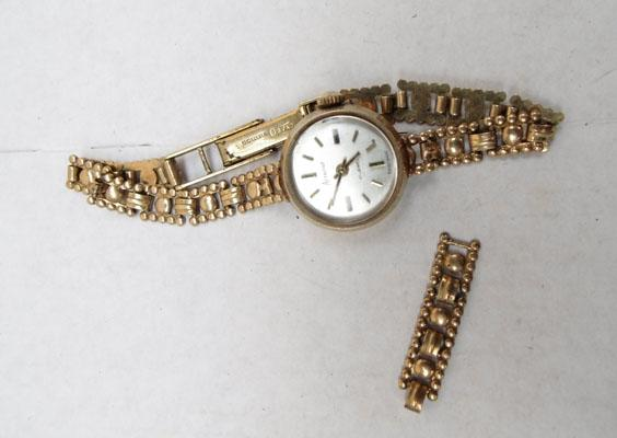 9ct gold ladies Accurist watch
