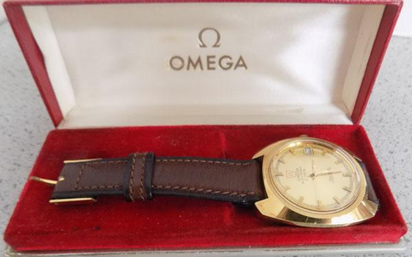 Gent's Omega electronic F300 H2 watch - original strap - box