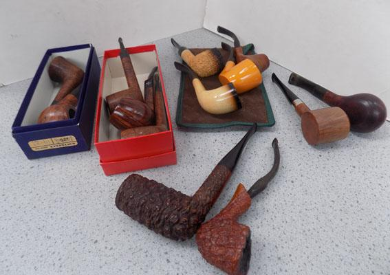 Tray of assorted pipes including Skyscraper/Barling