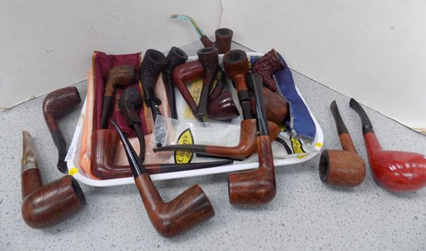 Tray of assorted pipes including Comoys/Jenson