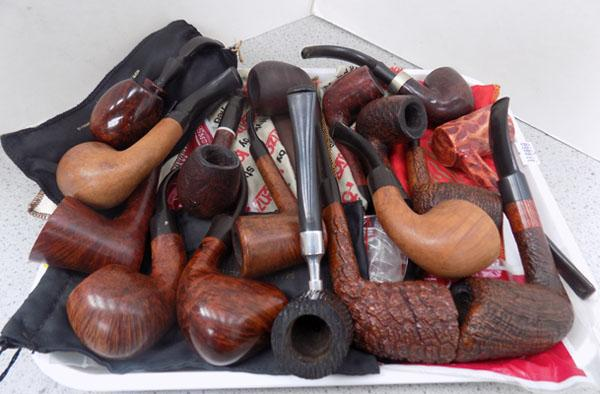 Tray of assorted pipes including K&P Dummy/Refbjerg
