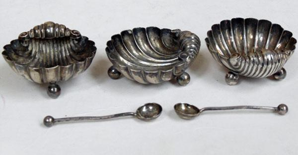 3 silver scalloped salts with 2 old silver salt spoons