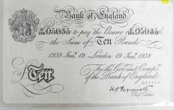 Old 1938 White 10 pound note No K19905035 good condition