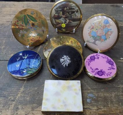 Collection of 8 vintage compacts, incl Stratton