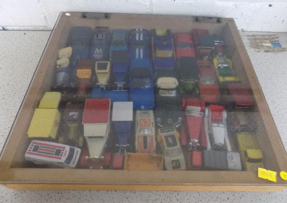 Collectors case of vintage 1960's/1970's diecast cars