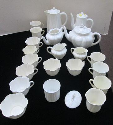 Shelley mixed tea set