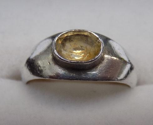 925 Silver and yellow gemstone ring - Size M