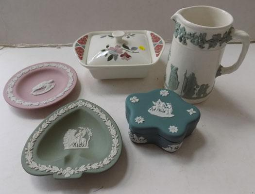 Five pieces of Wedgewood