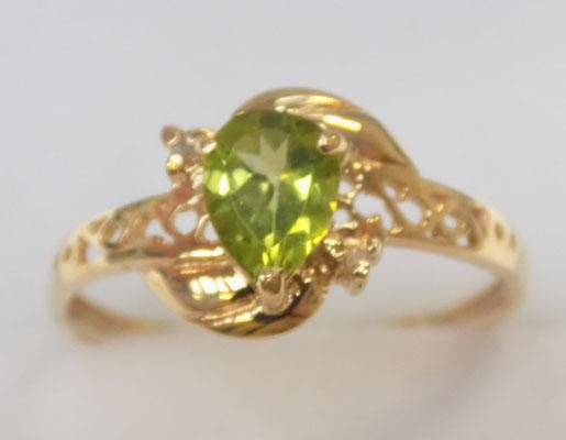 9ct gold diamond and peridot ring size O