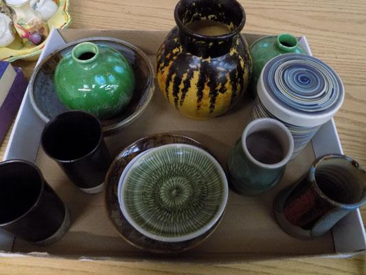12 items of Studio Potter, incl. Rye pottery