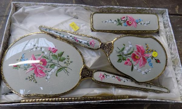 Vintage dressing table set