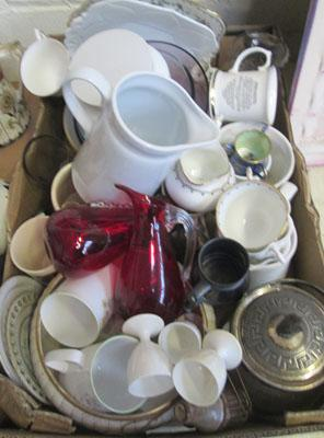 Box of mixed ceramics