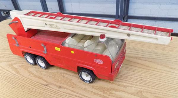 1x large tonka fire engine