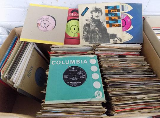 Box of mixed vinyl singles 1960's-1990's