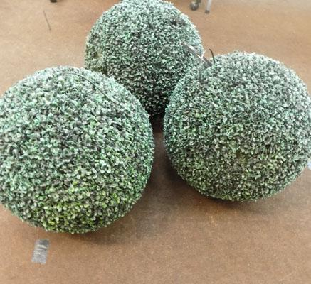 3 artificial topiary balls