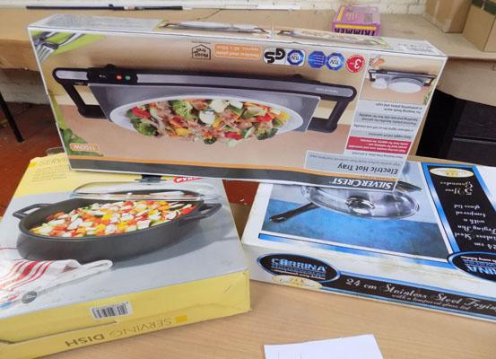 Selection of cookware x3