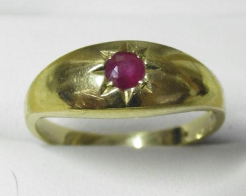 9ct Gold Ruby solitaire ring size R1/2