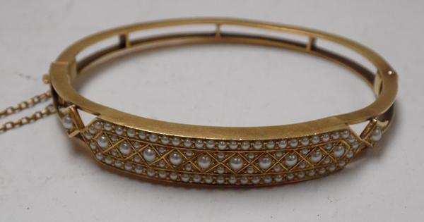 Antique 15ct gold and real pearl bangle