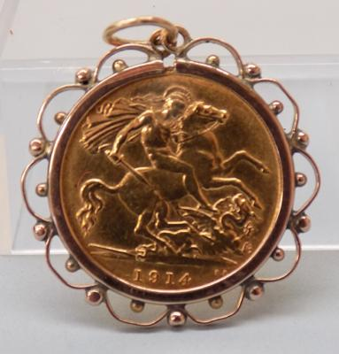 1914 Half sovereign coin in holder