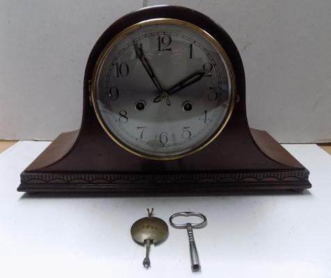 8 day mahogany mantel clock with key and pendulum in working order