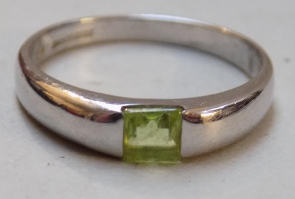 White gold pale green gemstone ring - Size O