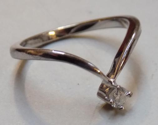 White gold wishbone diamond ring - Size N 1/2