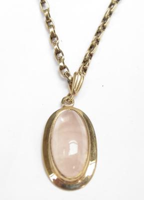 "9ct gold 19"" belcher chain with a rose quartz pendant"
