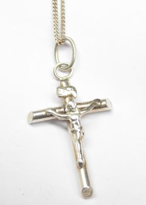 "925 silver crucifix necklace, 18"" chain"
