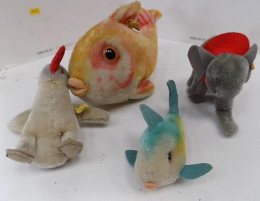 4 vintage Steiff animals
