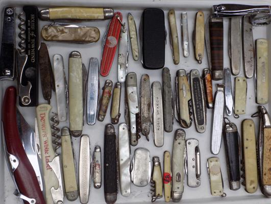Large selection of vintage penknives - some with mother of pearl handles