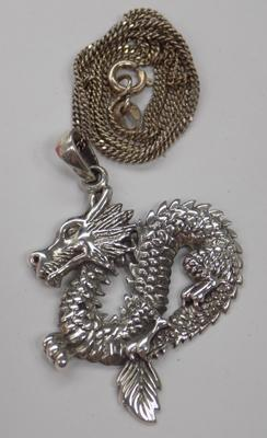 Silver dragon chain & pendant