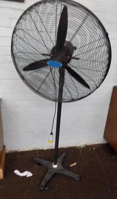Large industrial 110v fan